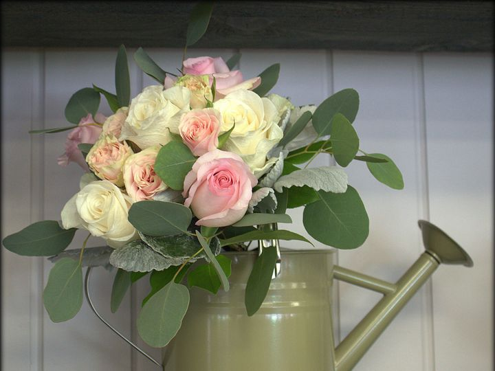 Tmx 1520285739 C82b3997acaa1435 1520285733 584c977f7774bbc8 1520286111795 11 CFG Wedding 014 Colchester, VT wedding florist