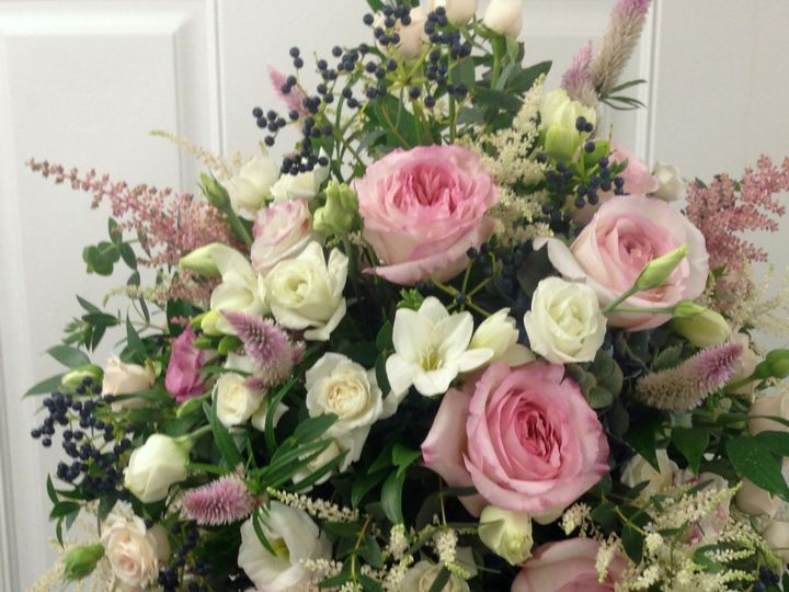 Tmx 1520285741 7f12103e5d6c42fb 1520285738 7fac0242b85ab9d1 1520286111808 16 IMG 8254 Colchester, VT wedding florist