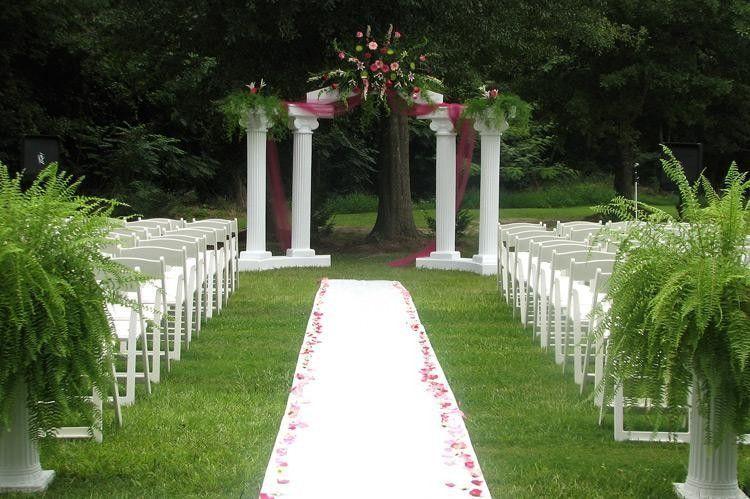 606b30010ebdd287 1485885326383 outdoor wedding decorating ideas on decorations
