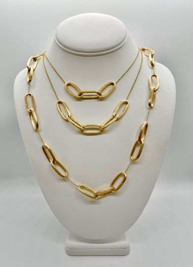 Savoia gold necklace