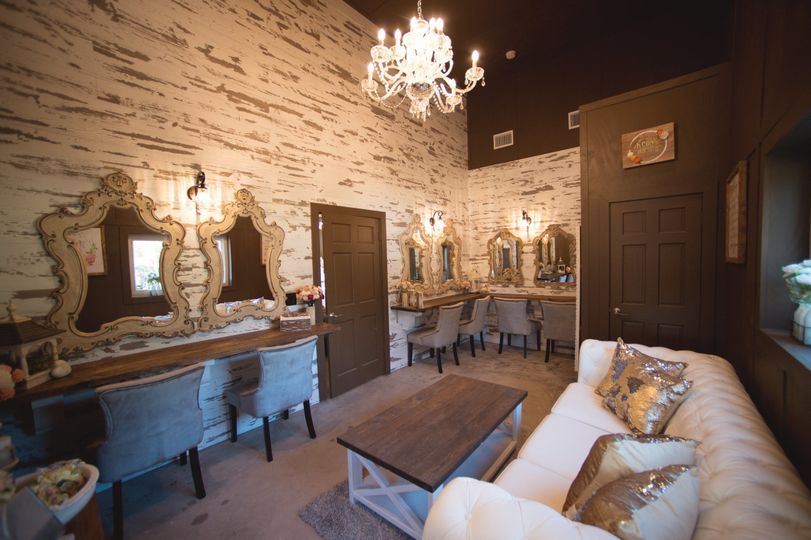 Intimate and luxurious bridal suite with it's own en-suite bathroom