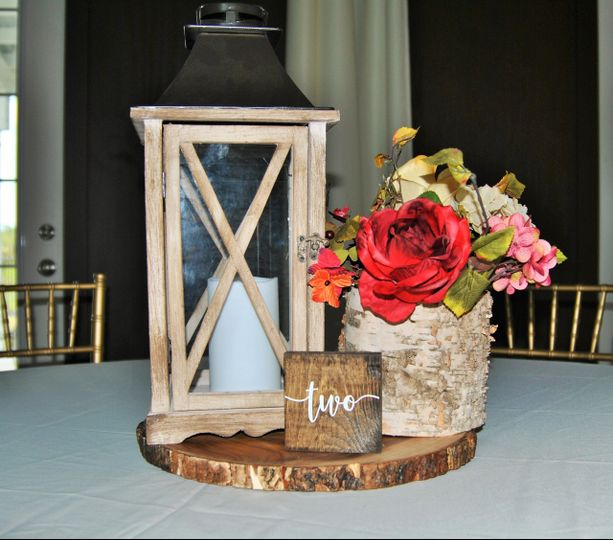 Winter floral centerpiece option