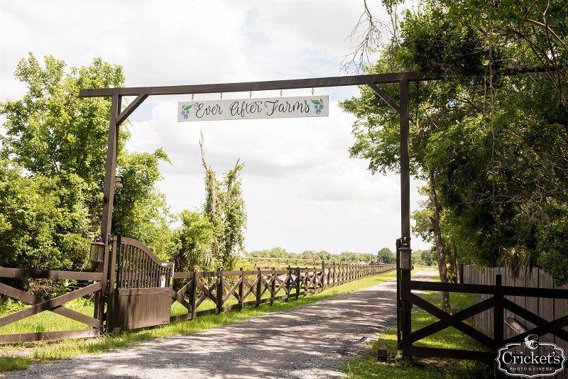 Romantic rustic entrance