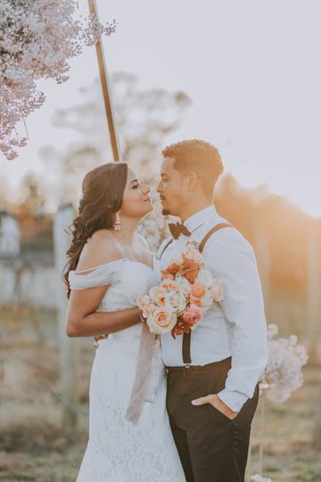Romantic peach & blush flowers