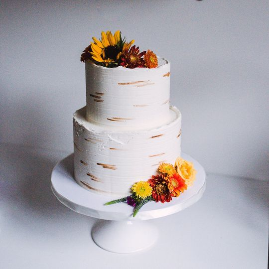 Birch tree cake with floral