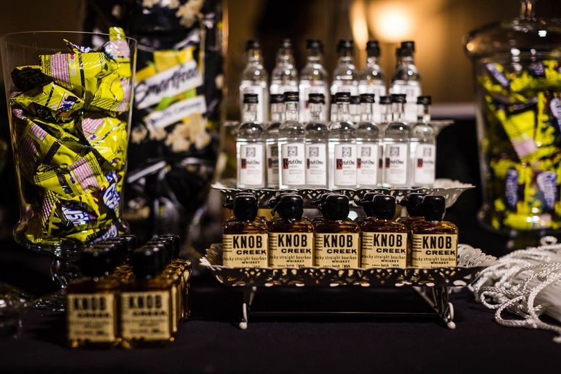 adult wedding favor bar