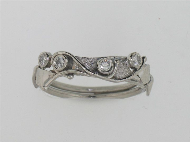 Tmx 1516909118 7873768a2d4d27a1 1516909116 87844127c927ebf3 1516909111024 1 001 110 00155 Asheville, NC wedding jewelry