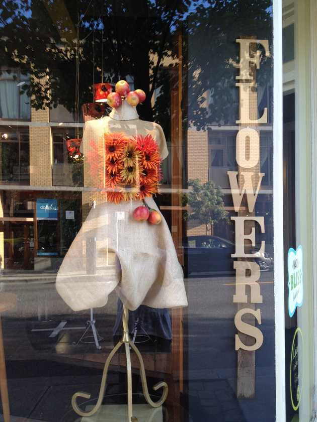 Lucy's Informal Flowers