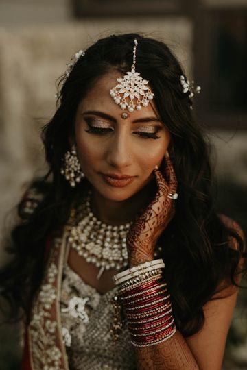 Stunning bride Simone