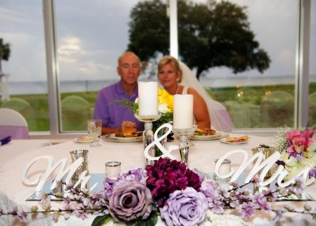 couple and centerpiece