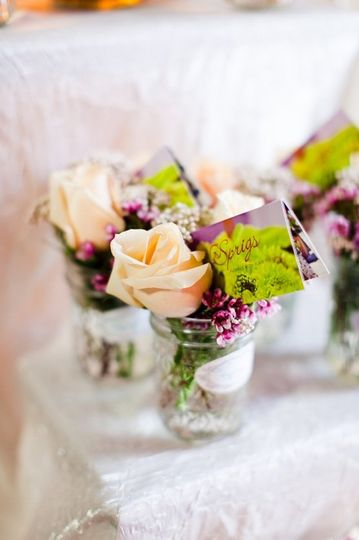Floral centerpieces | Photography Courtesy of William McKee with The Collective Photographers