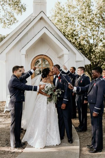 J/T - marble chapel wedding