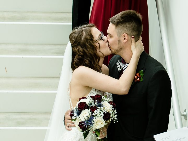 Tmx Bestdayever 100 51 1947261 158749737476919 Stacyville, IA wedding photography