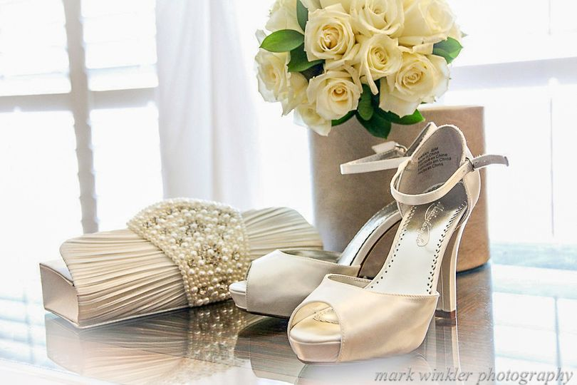 800x800 1447429633256 weddingshoes markwinklerphotography