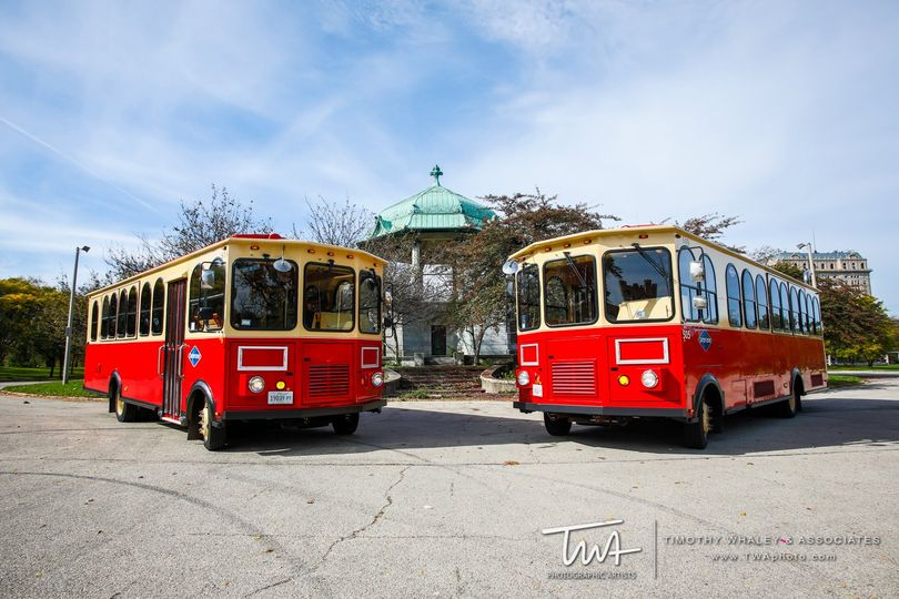 two trolley facing the middle 51 152361