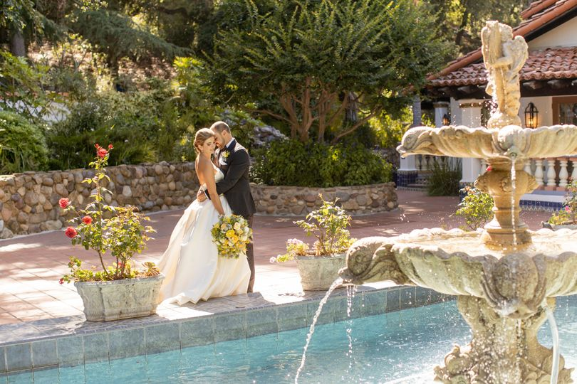 Love by the fountain