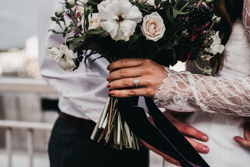 Dreamy bouquet and ring