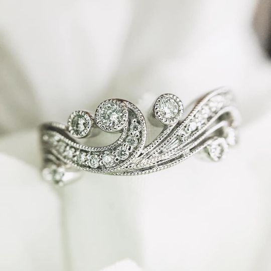 Antique Style Bands