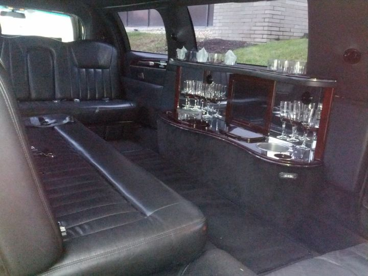 Tmx 1368223315262 Limo8pax2 Valhalla wedding transportation
