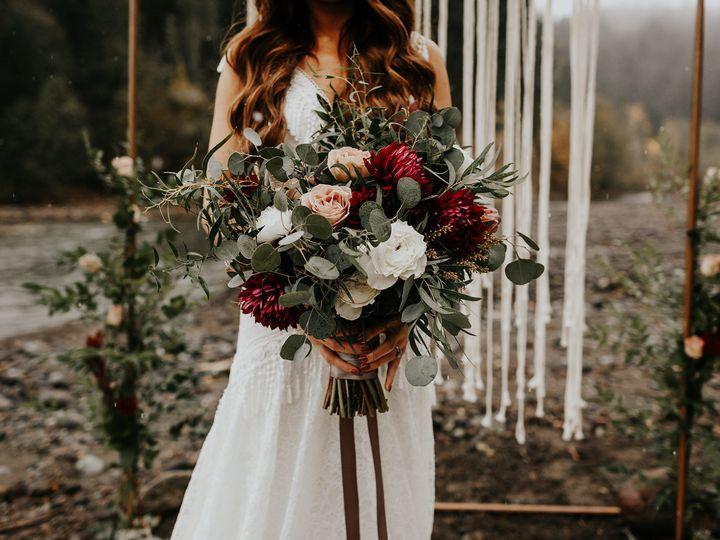 Tmx 1522788317 Eb47e78faacf8813 1522788315 7219aaa9c9f0dcd2 1522788313745 2 Ginapaulson Bohost Seattle, Washington wedding florist