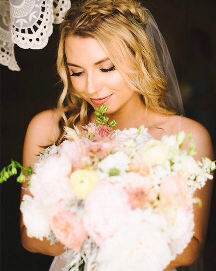 Jesslan Lee Photography  http://www.inspiredbythis.com/wed/whimsical-pastel-estate-wedding/ Airbrush...