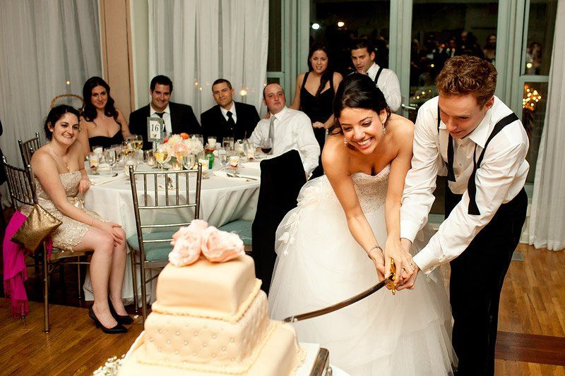 Slicing the cake | Daniel Usenko Photography