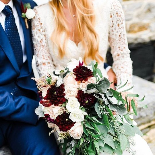 Burgundy and blush bouquet close up