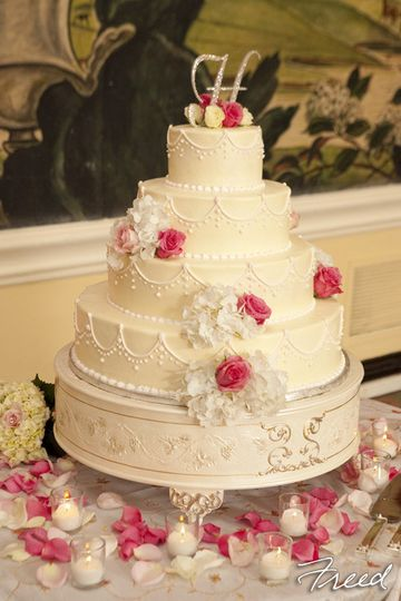 Classic Bakery - Wedding Cake - Gaithersburg, MD - WeddingWire