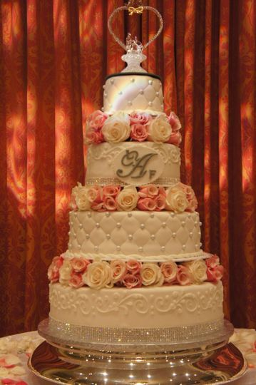 Classic bakery wedding cake gaithersburg md weddingwire for Classic bake house