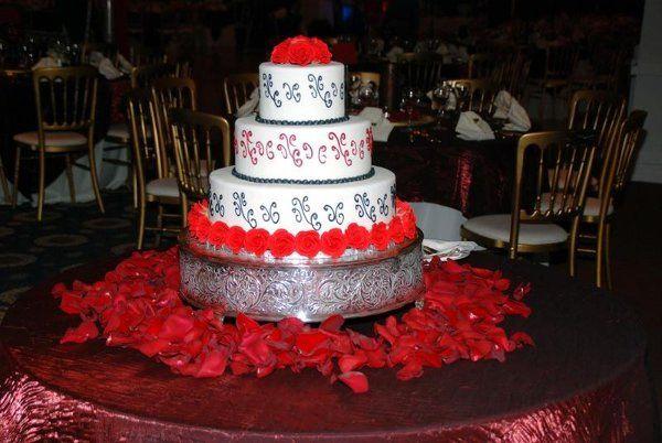 Tmx 1235429279265 C1 Lake Forest wedding cake