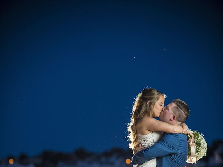 Tmx 1517116585 E738c048cc52384a 1517116582 40907975505e22f7 1517116579300 44 1LS1 6599aa Boston, MA wedding photography