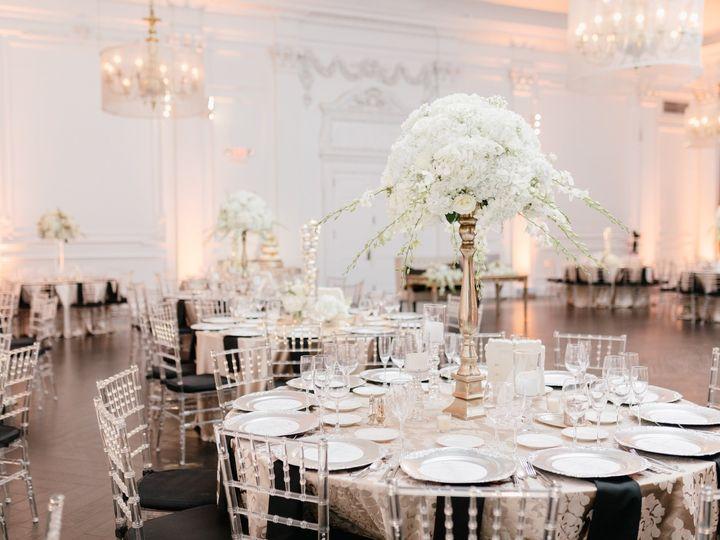 Tmx Erica Conor Downtown Club Emily Wren Photography 12 31 18 7 51 638661 158867899367059 Philadelphia, Pennsylvania wedding florist