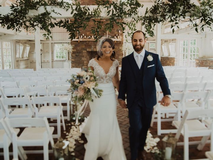 Tmx Lizphilwedfinal 555 51 638661 158867901031117 Philadelphia, Pennsylvania wedding florist