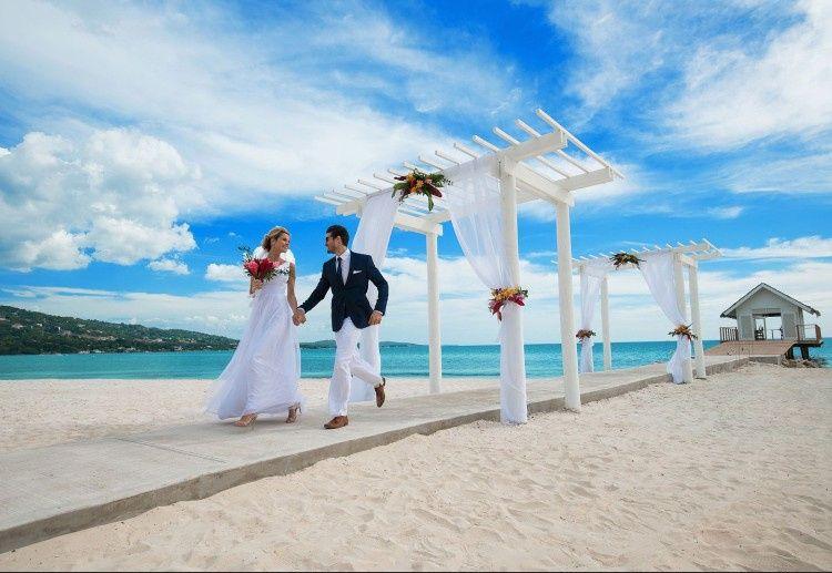 sandals wedding photo 51 1898661 157470054566790