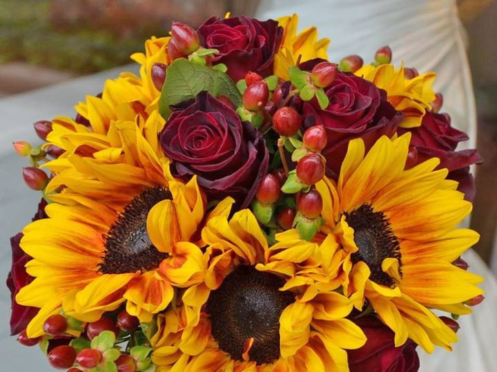 Tmx 1527858143 2941c22d15599a6c 1527858142 A726cffe1be11e4c 1527858139273 2 Sunflowerburgandyr Clinton, TN wedding florist