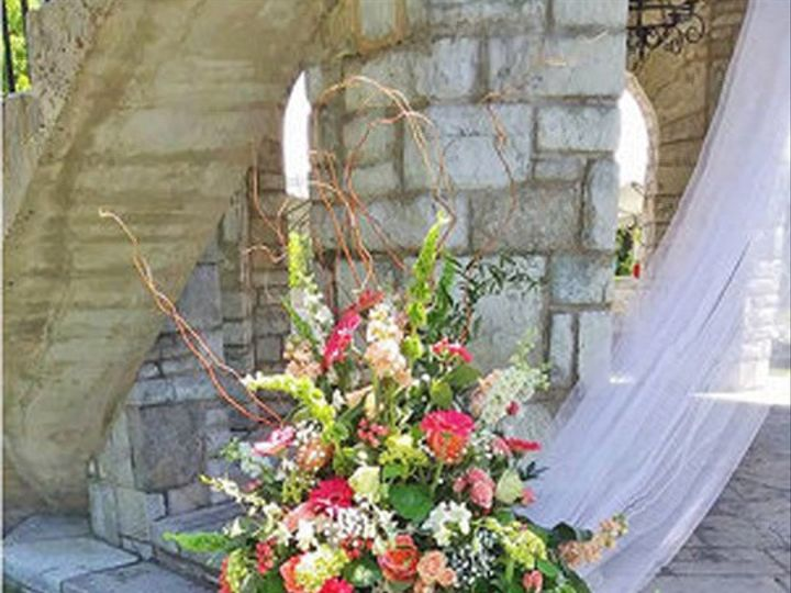 Tmx 911gr 2 51 981761 1565021168 Clinton, TN wedding florist