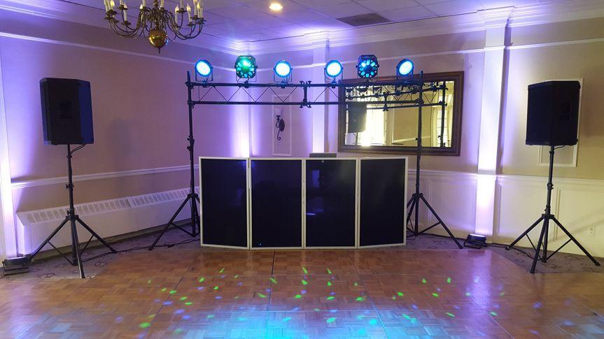 Dj setup w/ overhead lights
