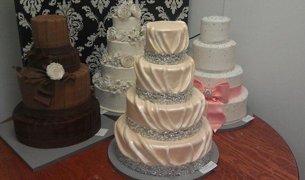 Tmx 1325723249583 Cakesbykharis35 Philadelphia wedding cake