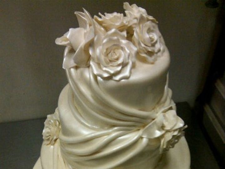 Tmx 1325723250454 Cakesbykharis6 Philadelphia wedding cake