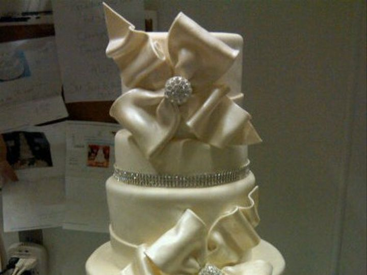 Tmx 1325723251169 Cakesbykharis7 Philadelphia wedding cake