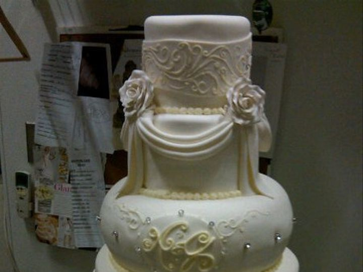 Tmx 1325723425711 Cakesbykharis16 Philadelphia wedding cake