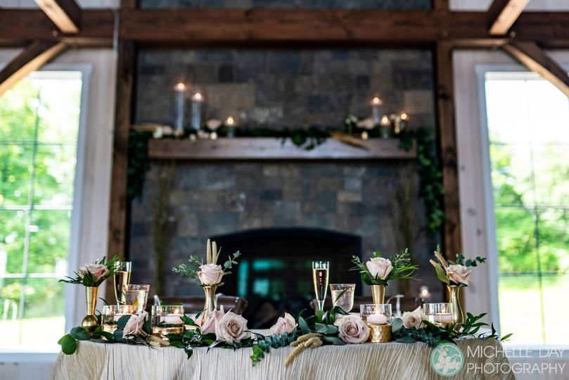 A stunning sweetheart table.