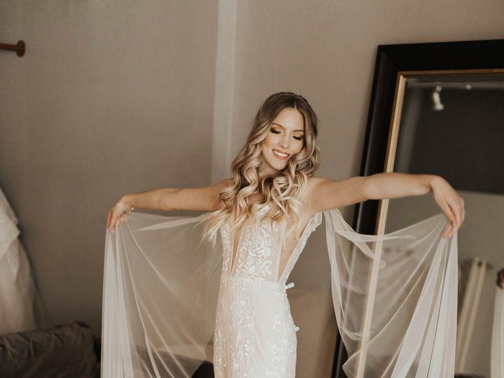 Tmx 1apt Mwlriley2 51 710861 Minneapolis, MN wedding dress