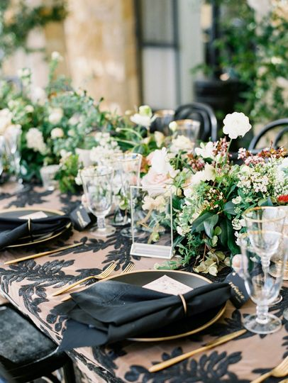 Wedding table decor and floral