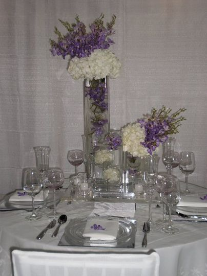 Sparkling glass and centerpiece