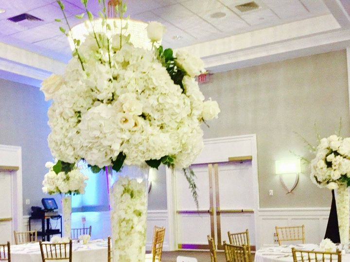 Tmx 20507486 1493971193995983 5496158892904235790 O 51 1046861 Boston, MA wedding florist