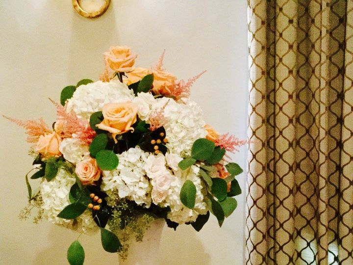 Tmx 20615715 1493989657327470 992543496315326109 O 51 1046861 Boston, MA wedding florist