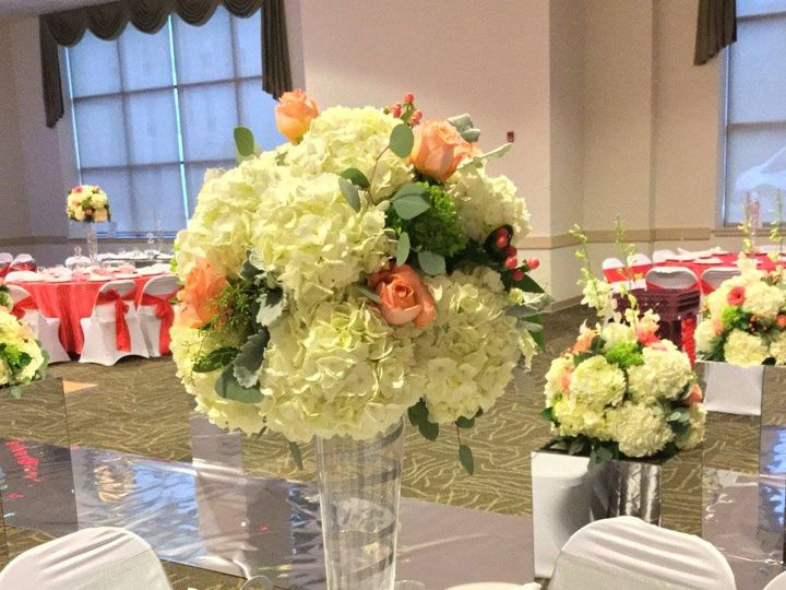 Tmx 20617139 1493971277329308 2959517135703341968 O 51 1046861 Boston, MA wedding florist