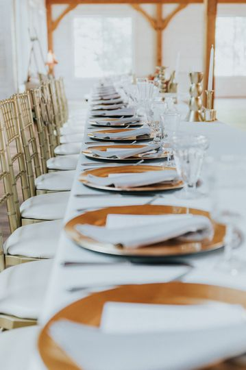 Contemporary and elegance tablescape