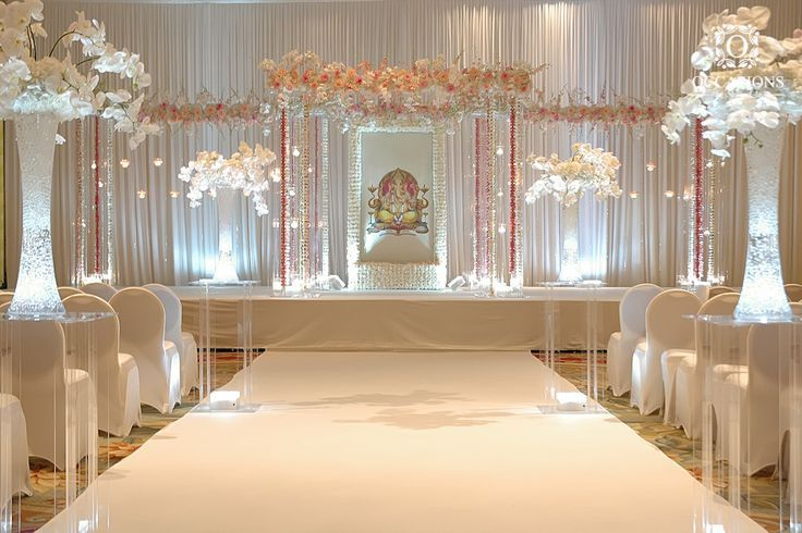 Elegant indoor Indian wedding